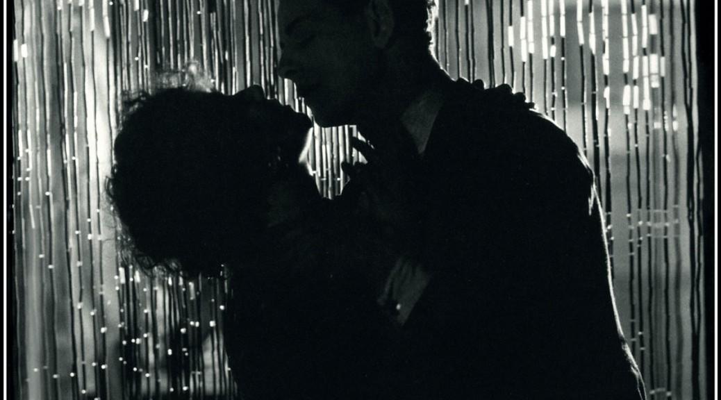 C'EST-LA-VIE---DOWNHILL-Hitchcock