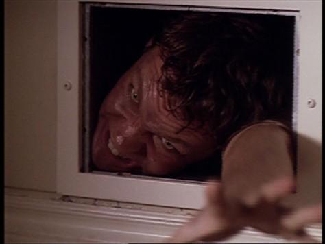 X-Files - Intégrale DVD (S01E03 : Squeeze / Compressions)